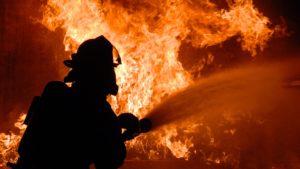 В Запорожье произошел пожар: один человек спасен, один - погиб