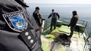 В Каховському водосховищі знайшли та вилучили 160 пасток для раків