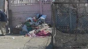 Мешканці Запоріжжя після візиту інспекції з благоустрою прибрали сміття з прибудинкової території