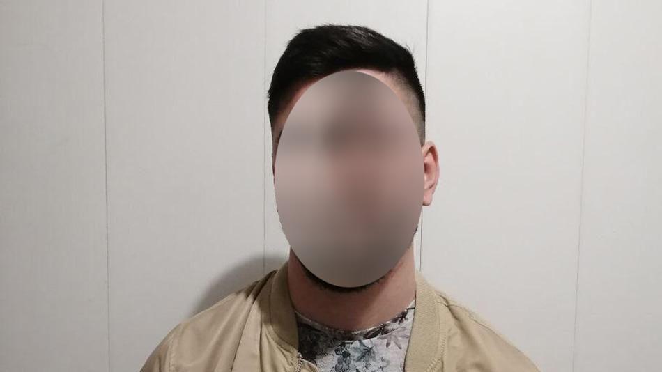 Правоохоронці затримали запоріжця, який змусив дівчину переказати йому 15 тисяч гривень