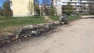 В Запоріжжі невідомі вандали спалили три сміттєвих баки