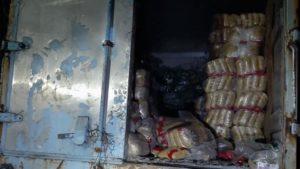 Мешканець Запоріжжя поцупив з вантажівки три мішки макаронів