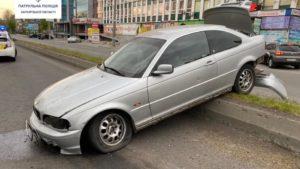 У Запоріжжі водій BMW, втікаючи від поліцейський погоні, влаштував ДТП: у пасажирки знайшли наркотики, – ФОТО