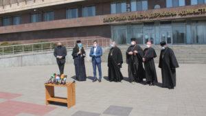 В Зaпорожье священники христианских конфессий призвали прихожан оставаться дома и смотреть богослужения онлайн