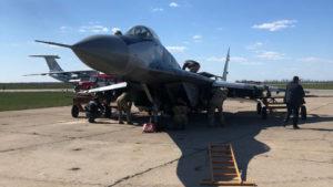 У Запорізькій області винищувач отримав пошкодження і здійснив аварійну посадку: ГБР відкрило кримінальне провадження, – ФОТО