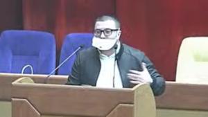 Запорожский депутат, критикуя власть за распространение коронавируса, неправильно надел медицинскую маску, – ФОТО