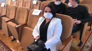 «Обычная простуда, похоже на ОРВИ»: заболевший депутат из Запорожской области рассказала о симптомах коронавируса