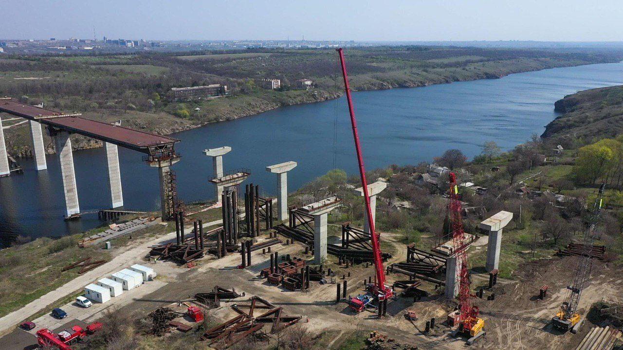 Сьогодні в Запоріжжі голова Укравтодору дасть старт будівництву мостів через Дніпро