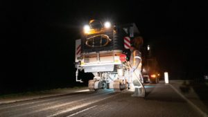 В Запорожской области новую трассу в курортный Бердянск строят даже в ночное время суток, – ФОТОРЕПОРТАЖ