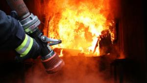 В Запорожье во время пожара пострадал пожилой мужчина
