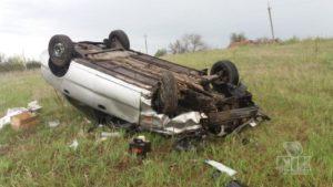 У Запорізькій області Lanos вилетів дороги і розбився: водія врятували ремені безпеки, – ФОТО