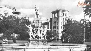 В Запорожье декоммунизируют памятник в сквере Пионеров: со скульптур снимут пионерские галстуки, – ФОТО