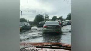 В Шевченківському районі після дощу почалась повінь, — ВІДЕО
