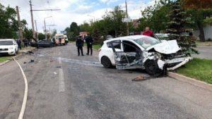 В Заводском районе Запорожья произошло серьезное ДТП с пострадавшими, – ФОТО, ВИДЕО
