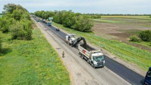 Как в Запорожской области за 700 миллионов ремонтируют трассу «Харьков-Симферополь», – ФОТОРЕПОРТАЖ