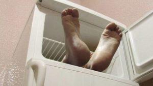 В бердянській багатоповерхівці в холодильнику знайшли труп 68-річної жінки