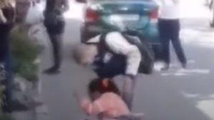 Поліцейські Бердянську затримали двох порушниць карантину, які розпивали алкоголь на дитячому майданчику, — ВІДЕО
