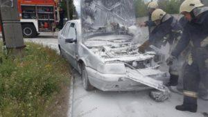 В Дніпровському районі Запоріжжя палала автівка, — ФОТО