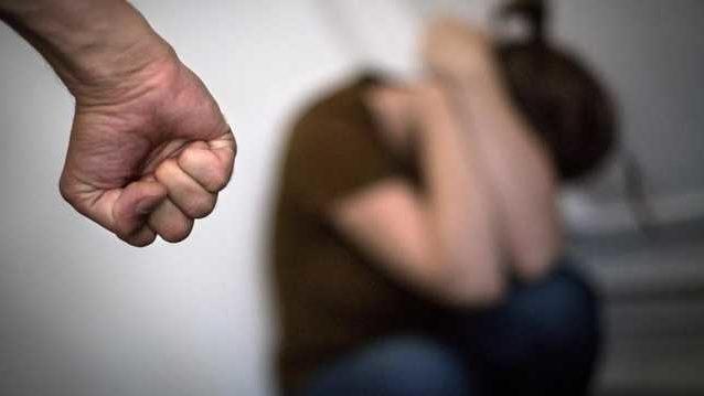 В Запорожской области мужчина до смерти забил свою сожительницу и спрятал ее тело в холодильник