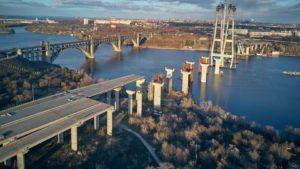 Президент Зеленский заявил, что запорожские мосты достроят за два с половиной года