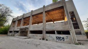 В Запорожье легендарный спорткомплекс «Авангард» превратился в руины, – ФОТОРЕПОРТАЖ