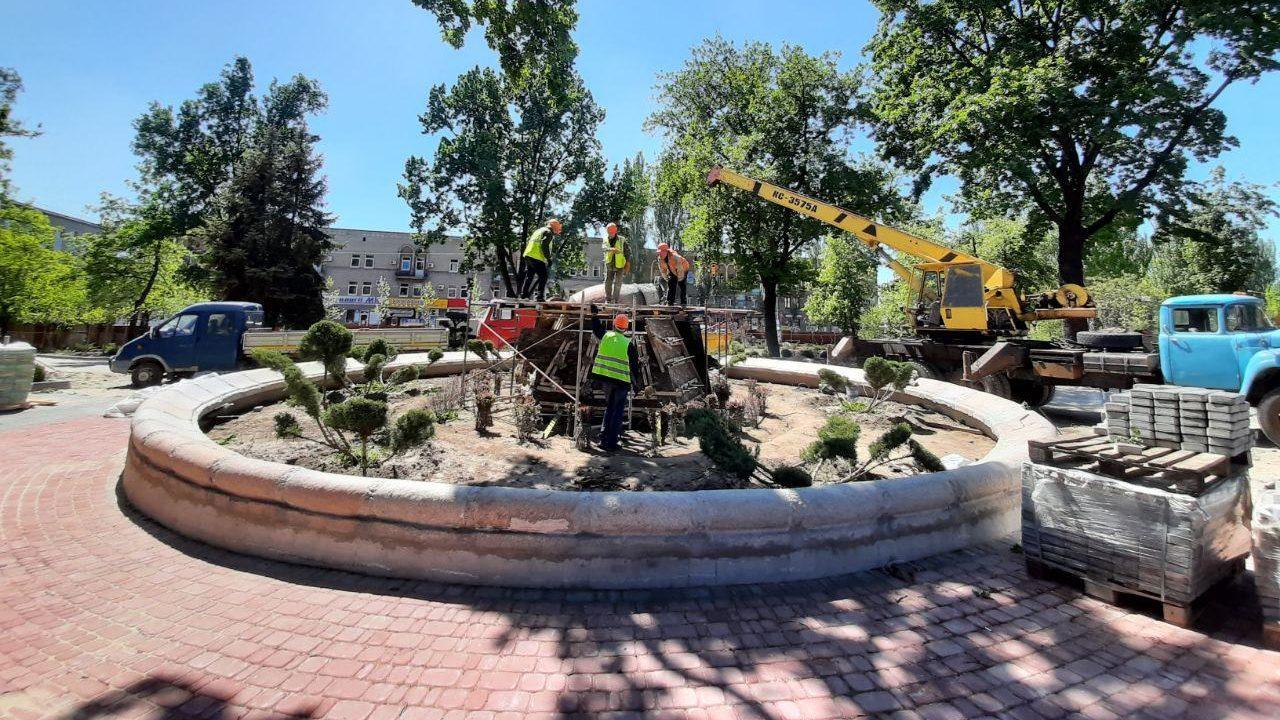В Запорожье заканчивают реконструкцию сквера Пионеров: что уже успели сделать, — ФОТОРЕПОРТАЖ
