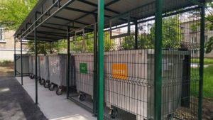 У Запоріжжі з'явилвся перший контейнерний майданчик для роздільного сортування сміття, – ФОТО