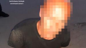 В Запорожье ночью возле круглосуточного магазина зарезали мужчину, – ФОТО