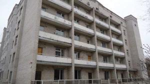 В Запоріжжі пенсіонер вистрибнув з вікна лікарні: з'явилися подробиці