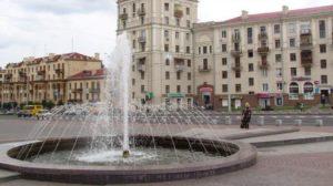 От рук вандалов пострадал фонтан в центре Запорожья