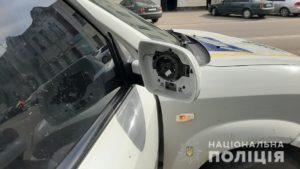 В Мелітополі чоловік потрощив автомобіль служби поліції охорони