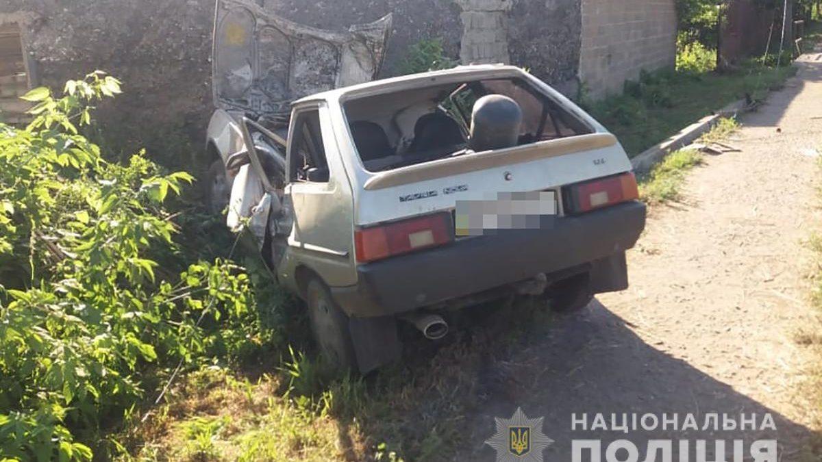 В Запорожской области пьяный парень на «Таврии» врезался в электроопору: водитель погиб на месте, – ФОТО