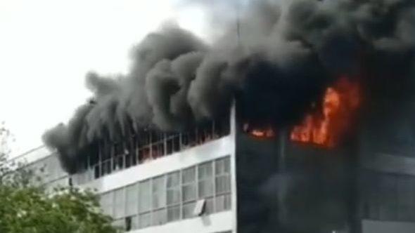 В Запорожье из-за пожара на «Миде» концентрация вредных веществ в воздухе превысила норму в несколько раз