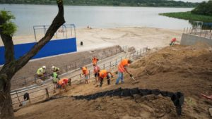 У Запоріжжі будують новий пляж в Заводському районі, – ФОТОРЕПОРТАЖ