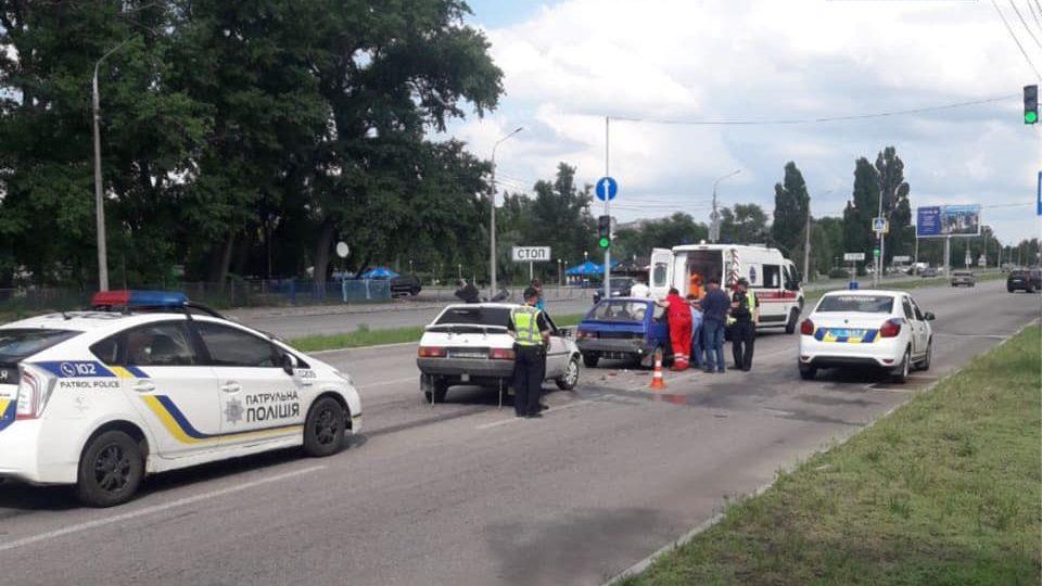 В Запорожье пьяный водитель устроил ДТП на Набережной, – ФОТО