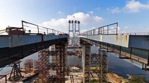 У Запоріжжі дитина впала з недобудованих мостів і розбилася на смерть