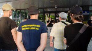 Судимого жителя Запоріжжя, який відправив у кому учасника АТО, відпустили під заставу: у центрі міста провели акцію протесту, – ФОТО