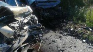 Под Запорожьем произошло жуткое ДТП: пострадало три человека, машины - вдребезги, — ФОТО, ВИДЕО