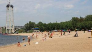 У Запоріжжі в піску на Центральному пляжі виявили збудника інфекційних захворювань