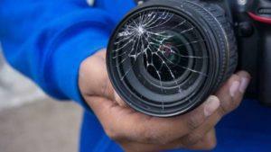 В Запорожье на Бабурке напали на журналистов, которые снимали сюжет о жестоком обращении с животными