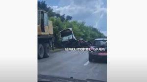 На запорізькій трасі зіткнулися дві вантажівки, – ВІДЕО