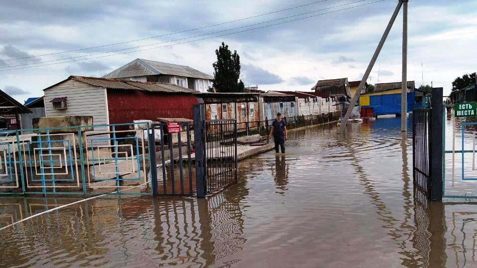 В Запорожской области непогода затопила известный курорт, – ФОТОРЕПОРТАЖ