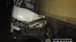 У Запоріжжі водій протаранив причіп вантажівки: чоловік загинув на місці, – ФОТО