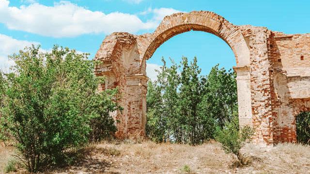 Блогерка розповіла про покинуту церков в Запорізькій області, — ФОТО