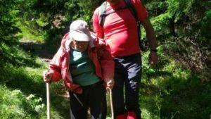 В карпатських горах знайшли 93-річну туристку з Запорізької області, — ФОТО