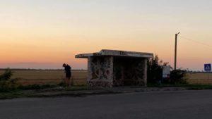 В Запорізькій області активіст очистив зупинковий комплекс від сміття, — ФОТО