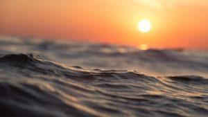 На Азовському морі п'ятьох людей віднесло у відкрите море