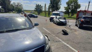 В Запорожской области у железнодорожного переезда произошло ДТП: спасатели вытащили пострадавшего, — ФОТО