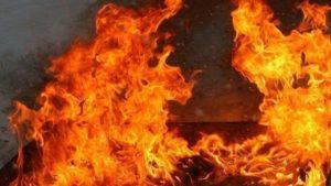 В Заводському районі сталась пожежа: рятувальники витягли з вогню чоловіка