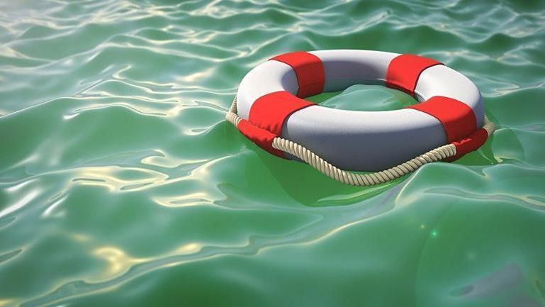 На запорізькому курорті ледь не потонула відпочивальниця